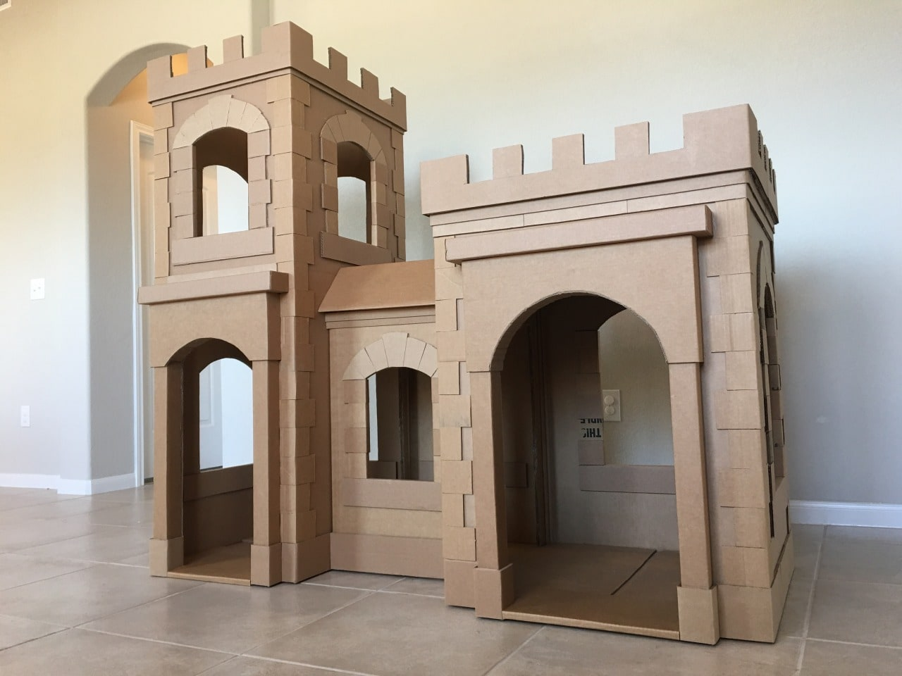 A kid 39 s dream cardboard castle made out of boxes brandon for Build a castle home